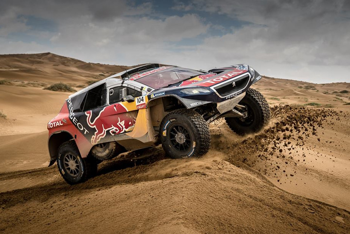 carlos sainz correr el dakar 2018 con peugeot y env a mensaje de apoyo al per. Black Bedroom Furniture Sets. Home Design Ideas